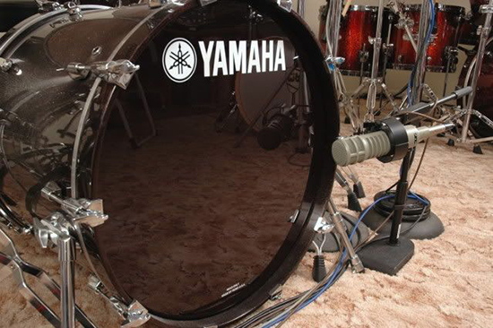 RE20 Mic on the Bass Kick Drum